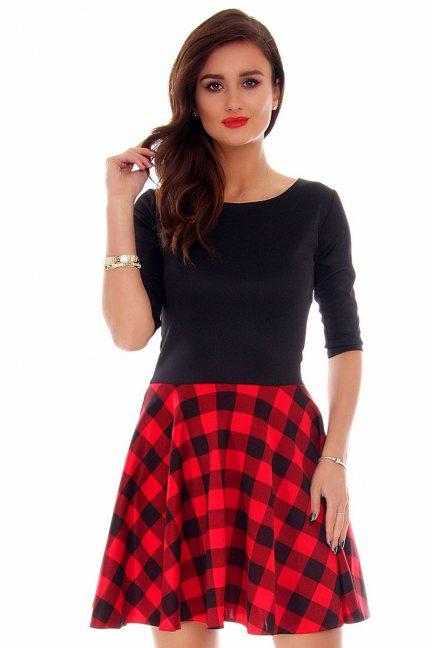 Sukienka klosz w kratkę CM220 czarno-czerwona
