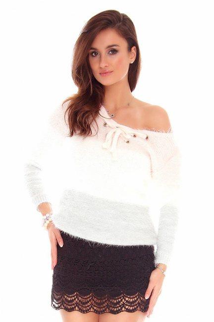 Sweter wiązany dekolt CMK746 różowy