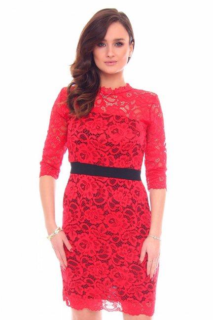 Sukienka koronkowa pas CMK912 czerwona
