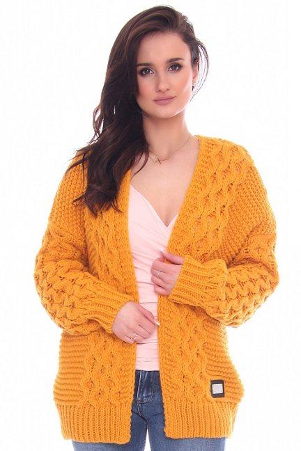 Sweter narzutka warkocz CMK2066 musztardowy