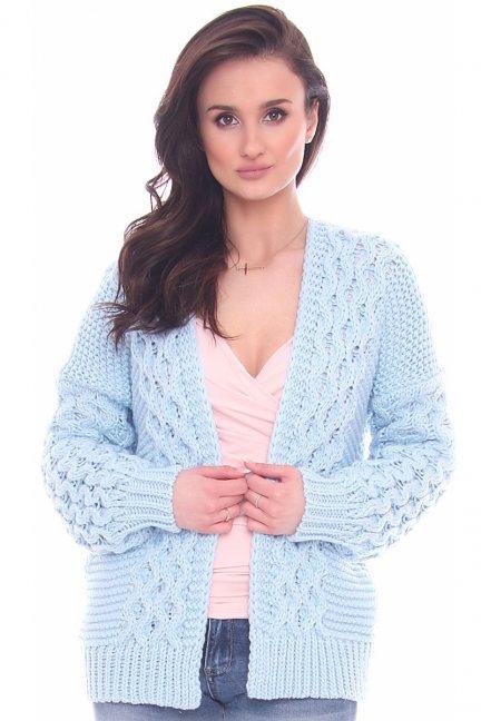 Sweter narzutka warkocz CMK2066 błękitny