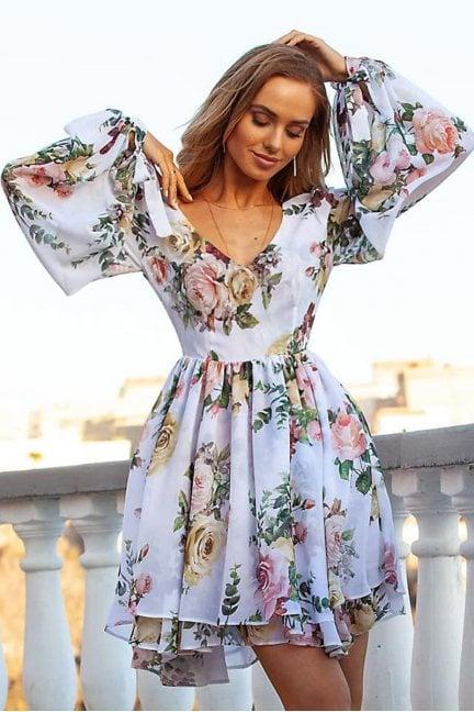 Sukienka mini w kwiaty dłuższy tył biała