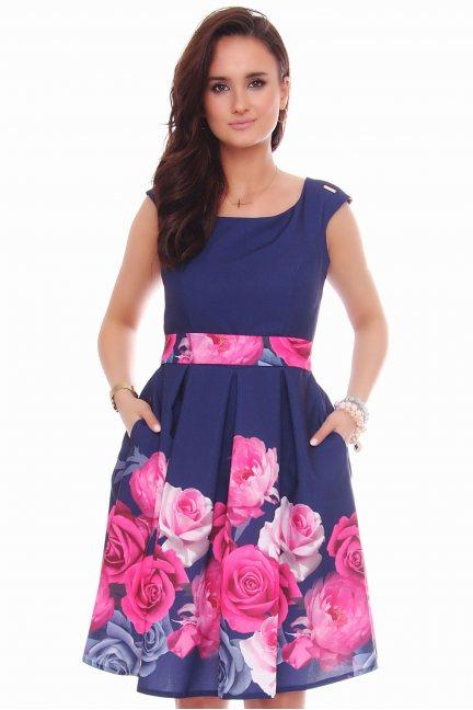 Sukienka klosz w róże CMK597 granatowa