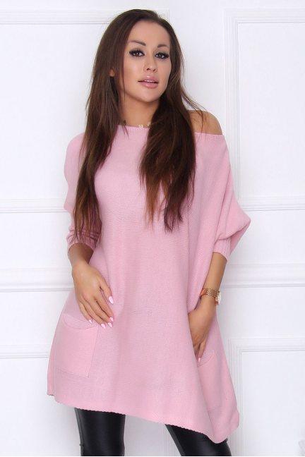 Sweter damski oversize kieszonki różowy