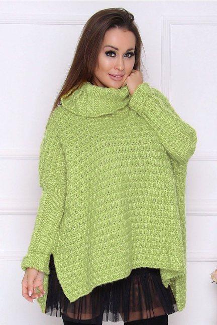 Sweter oversize z golfem zielony