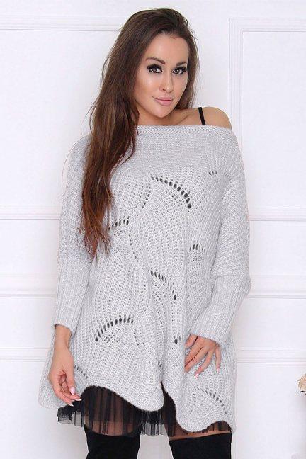 Sweter wełniany z dziurami szary