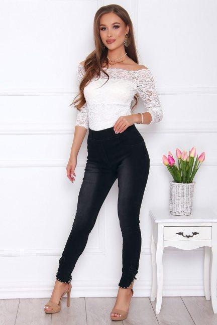Spodnie damskie jeans z perełkami czarne