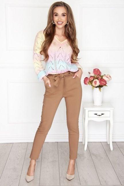 Spodnie eleganckie z kieszeniami camel