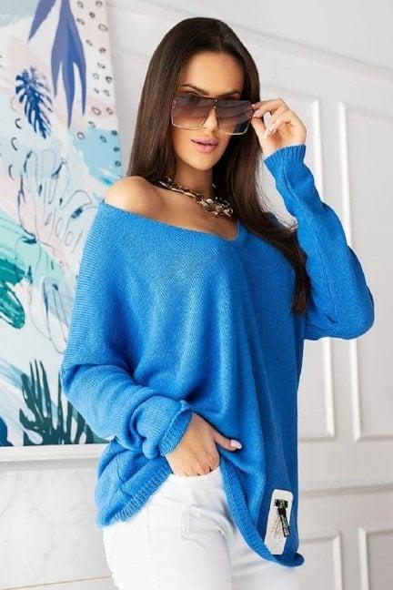 Sweter damski oversize z dekoltem niebieski