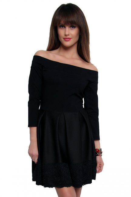 Sukienka z czarną koronką CM368-1 czarna