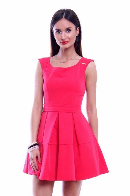 Sukienka z zakładkami CM460 koralowa