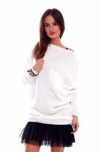 Sweter oversize z kieszenią CMK237 ecru