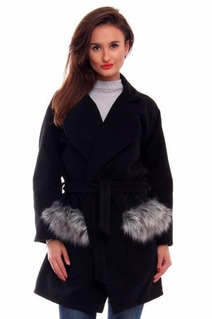 Płaszcz futrzane kieszenie CMK250 czarny