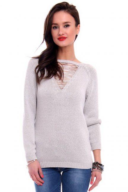 Sweter ozdobny dekolt CMK2044 szary