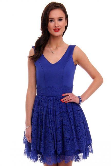 Sukienka pianka z koronką CMK378 chabrowa
