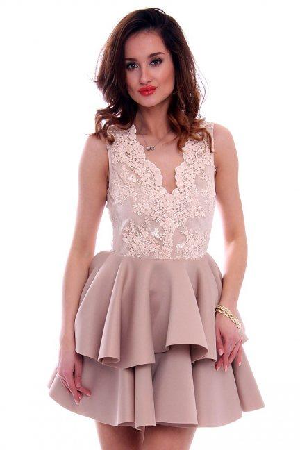 Sukienka koronka z falbanką CMK468 beżowa