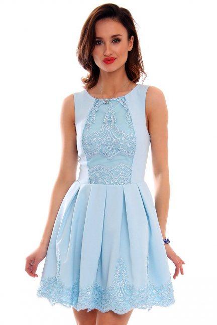 Sukienka zakładki koronka CMK471 błękitna