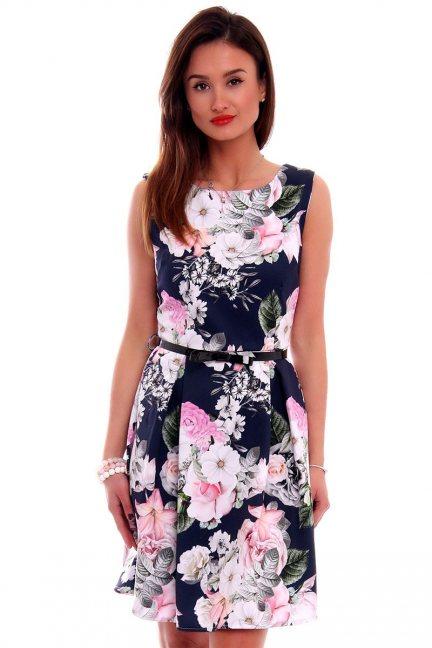 Sukienka z zakładkami w kwiaty CMK504 granatowa