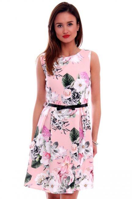 Sukienka z zakładkami w kwiaty CMK504 różowa